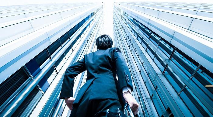 「多職」を好む、Z世代とミレニアル世代の従業員たち:「肩書きがひとつの時代は過ぎ去った」