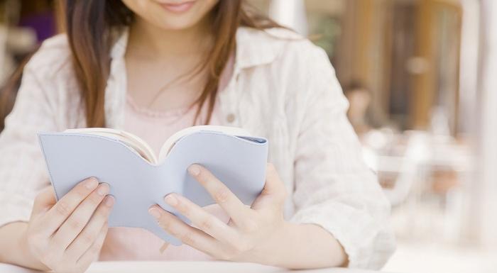 読書は脳に「永続的な影響」を与える!幻想小説かどうかで違いも