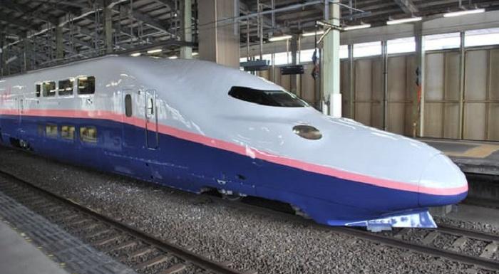 2階建て新幹線E4系MAXが惜しまれつつ引退
